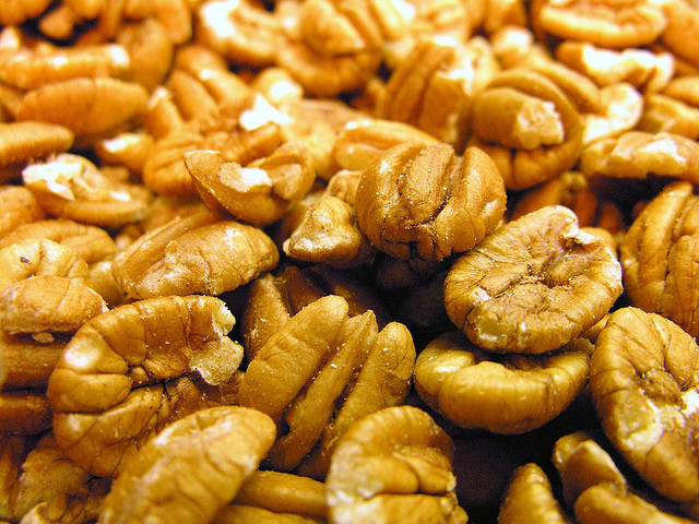 Pecans for Healthy Eyes