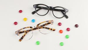 black glasses, cateye glasses, tortoise glasses