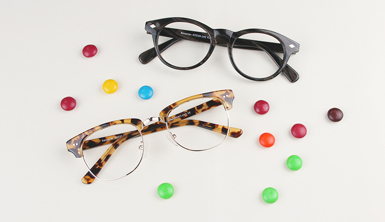 black glasses, cateye glasses, tortoise glasses