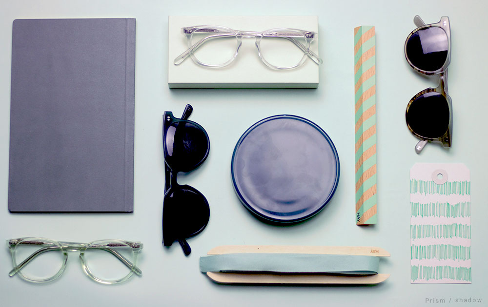 flatlay-glasses-turquoise-aesthetic