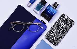 how to choose eyeglasses color - blue -glasses