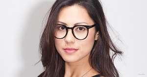 thick black glasses - girl