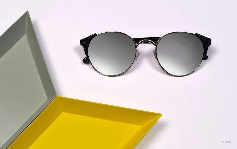 black sunglasses - silver mirror sunglasses