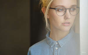 signature eyewear - girl - glasses - blonde